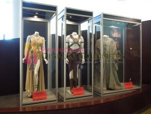 Mannequin Showcase 150